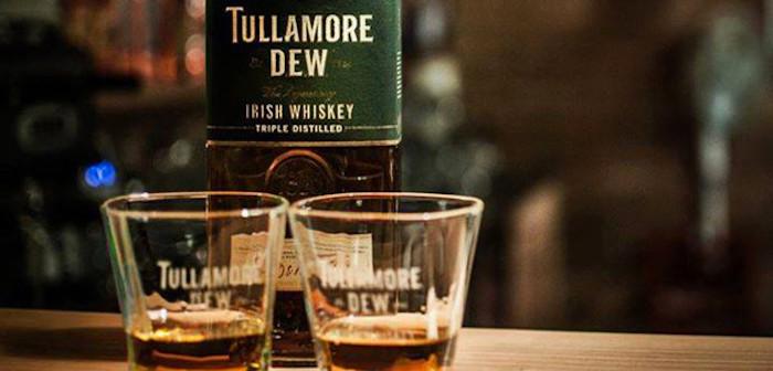 Barer fejrer Saint Patrick's Day med gratis whiskey